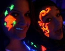 Night Club Entertainment Ideas: UV Body Painting, Paint Drumming, Blacklight Rental, + more